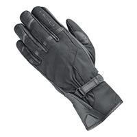 握られた Kyte の手袋の黒