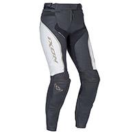 Pantalones cuero Dama Ixon Trinity blanco negro oro